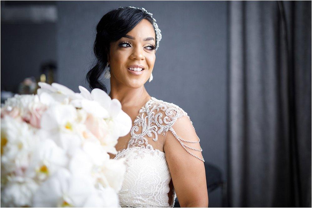 200 Peachtree Southern Exchange Ritz Carlton Wedding Portraits_0019.jpg