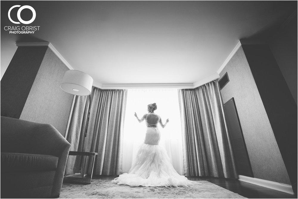 200 Peachtree Southern Exchange Ritz Carlton Wedding Portraits_0020.jpg