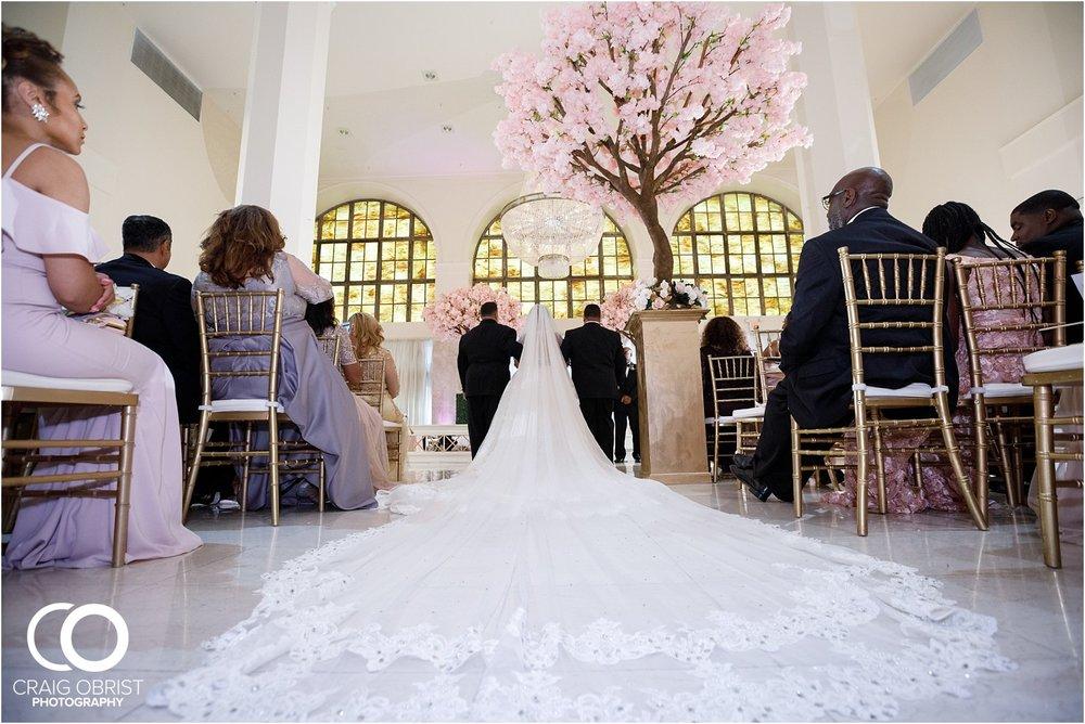 200 Peachtree Southern Exchange Ritz Carlton Wedding Portraits_0050.jpg