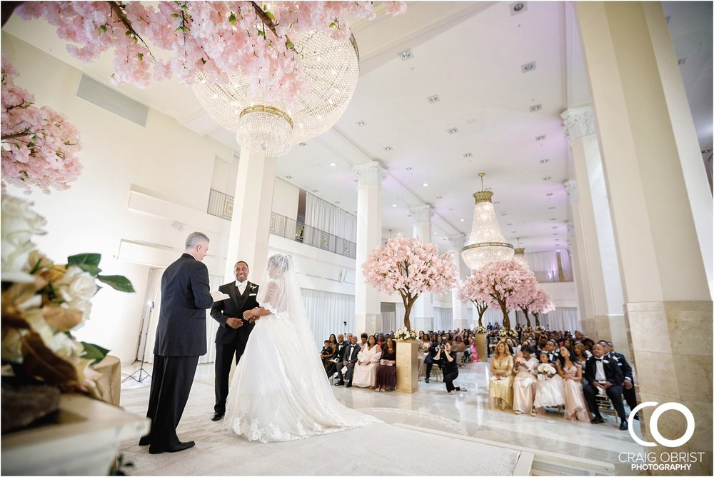 200 Peachtree Southern Exchange Ritz Carlton Wedding Portraits_0053.jpg