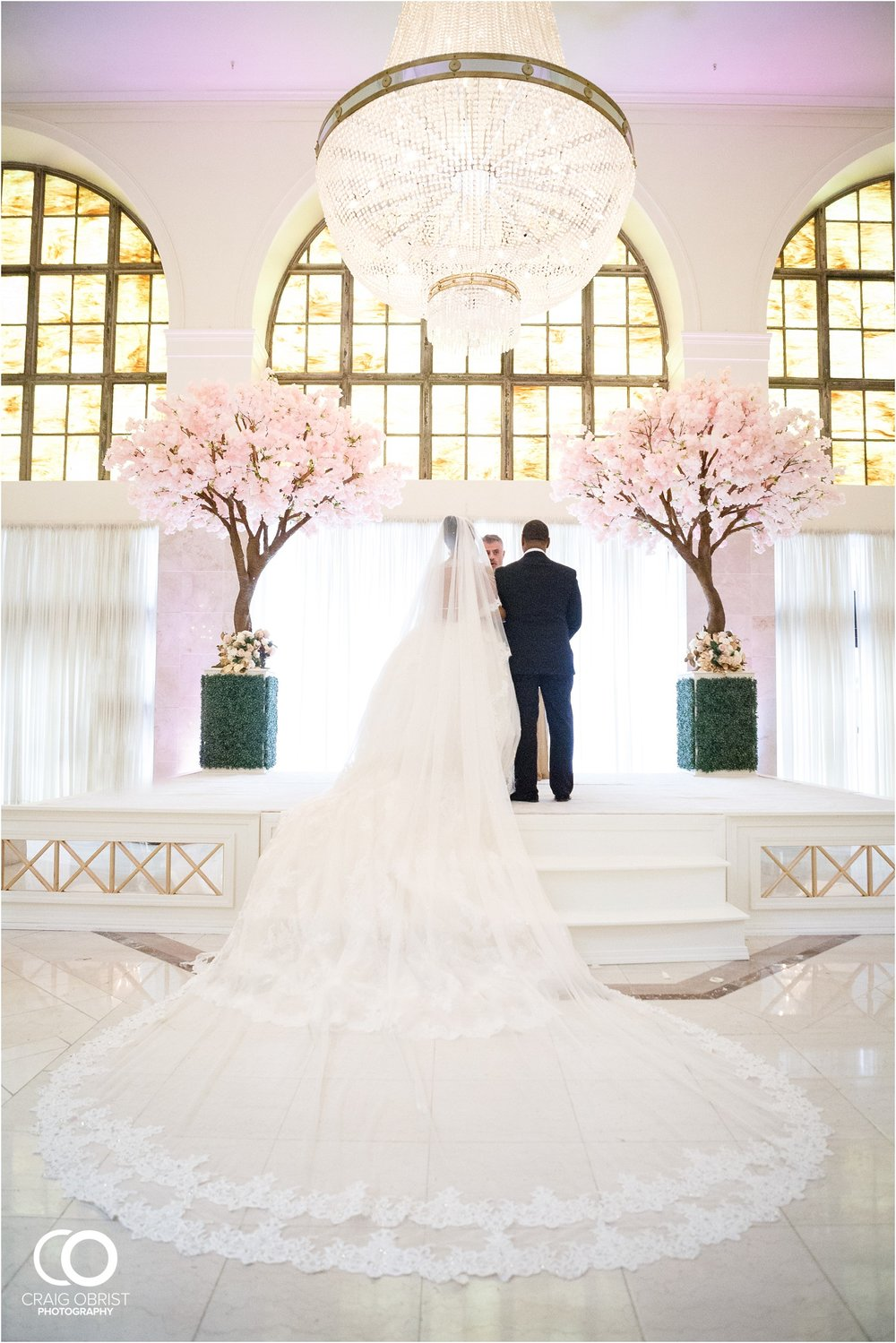 200 Peachtree Southern Exchange Ritz Carlton Wedding Portraits_0055.jpg