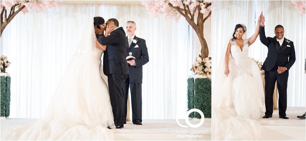 200 Peachtree Southern Exchange Ritz Carlton Wedding Portraits_0056.jpg