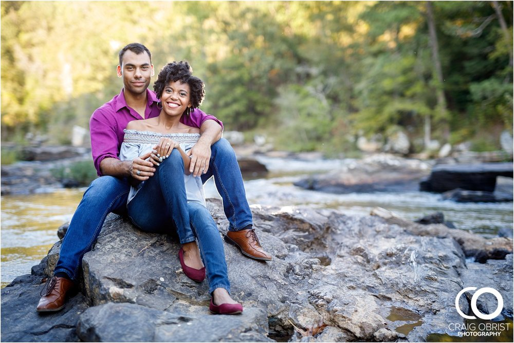 King Queen Sweetwater creek park Engagement Portraits_0010.jpg
