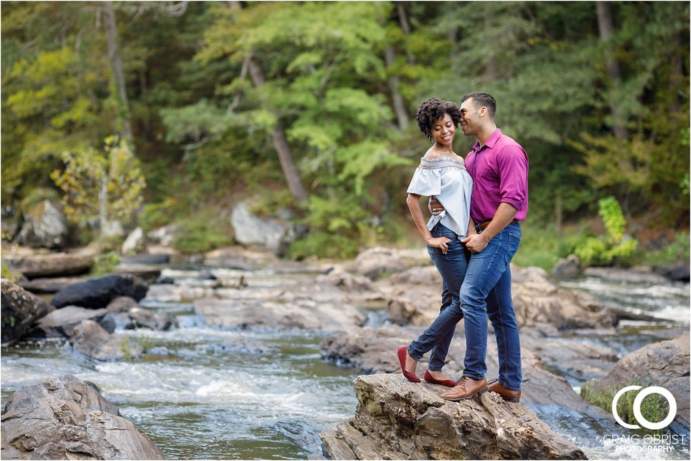 King Queen Sweetwater creek park Engagement Portraits_0012.jpg