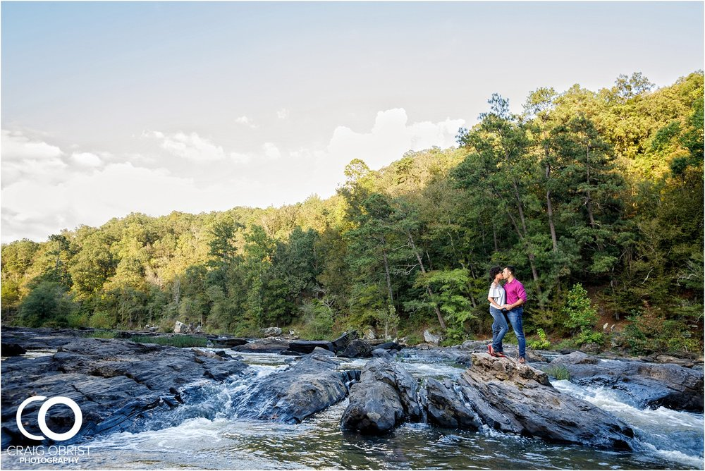 King Queen Sweetwater creek park Engagement Portraits_0013.jpg