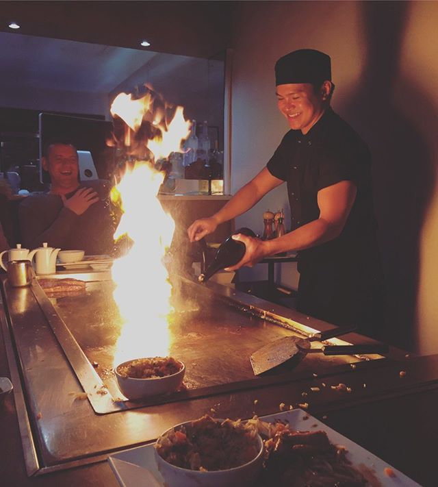 Come join us this weekend for some fresh, tasty, and authentic teppanyaki made by our passionate chefs! 👨‍🍳🔥 . Check out our extensive menu via the link in our bio. . [📷: Lasse1977]
