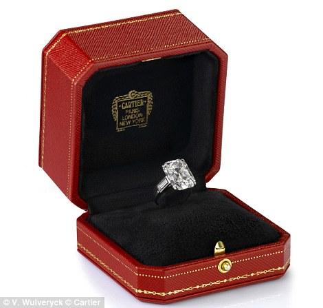grace-kelly-engagement-ring.jpg