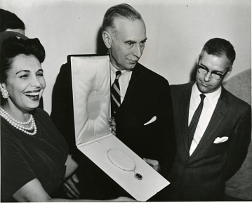 The Hope Diamond being presented to the Smithsonian in 1958.