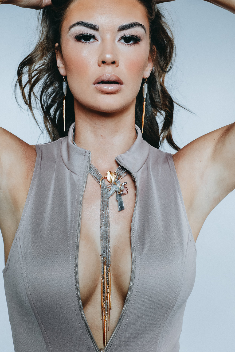 model wearing lariat necklace