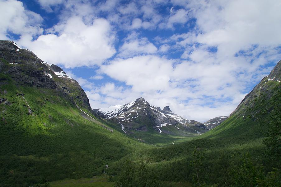Norge på väg mot Trollstigen