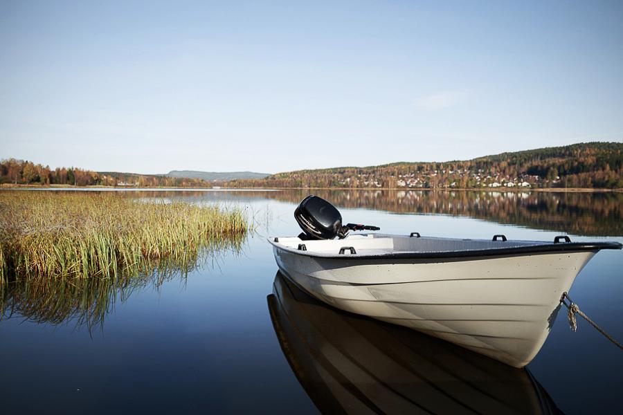 Båt på sjön Höglandssjön
