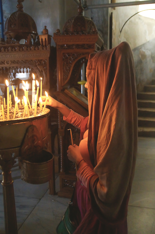 En fin stund då jag smygfotade i födelsekyrkan i Betlehem...