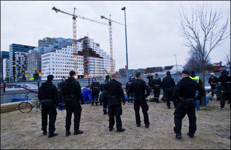 Polititet aksjonerer mot romfolk i Middelalderparken, Oslo øst.