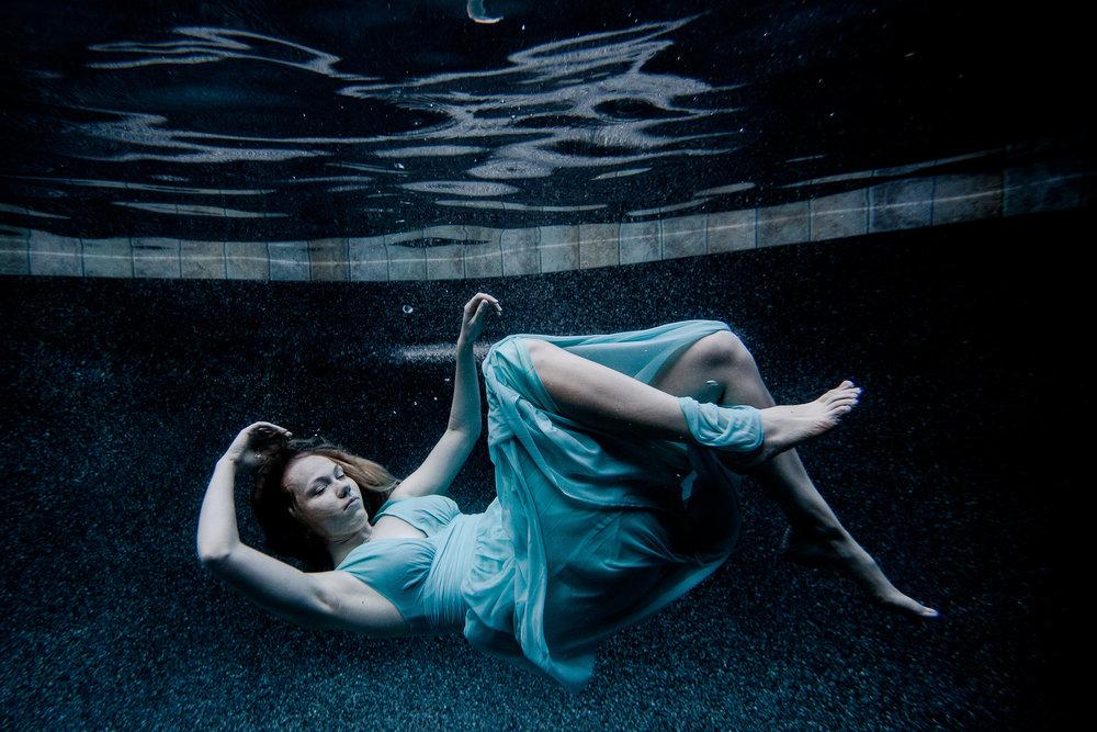Anya+Jenna+Underwater-0787.jpg