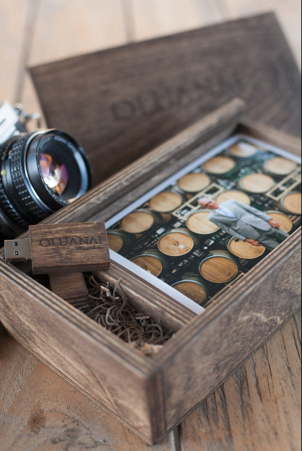Every couple gets a custom engraved photo box with 150 4x6 prints and USB drive will all their photos. This keepsake is a gorgeous keepsake you will want to display.