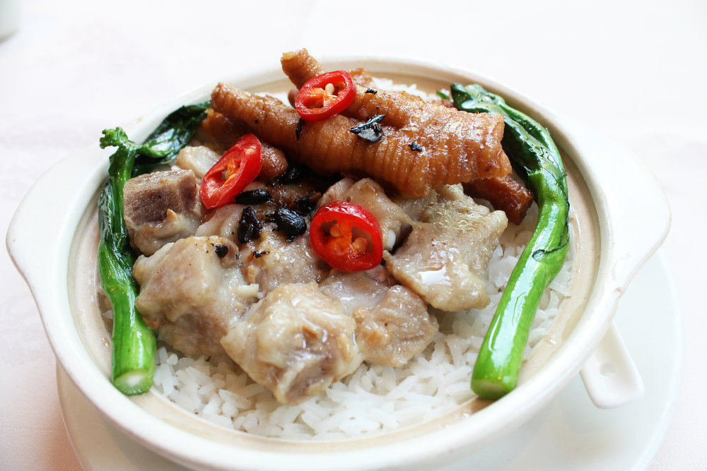 凤爪排骨饭  Chicken Claws & Spare Ribs on Steamed Rice  £5.50