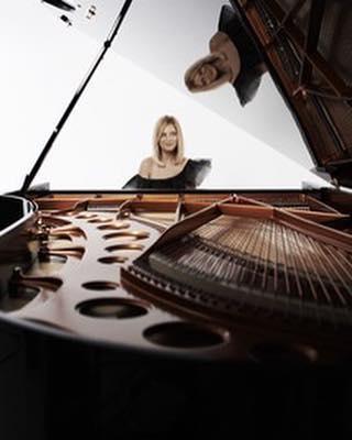 Retrouvez Valentina Lisitsa le 25 Janvier prochain au Théâtre des ChampsElysées pour un programme tout Tchaikovsky @valentina_lisitsa  https://www.youtube.com/watch?v=uoMUfHYHW_U.