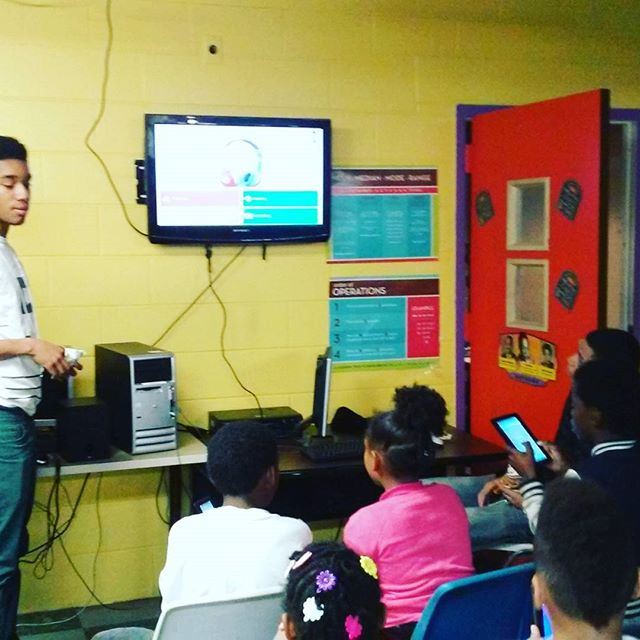 Kingswood Community Center #students learn interactively by linking tablets to the television for a quiz on the five senses