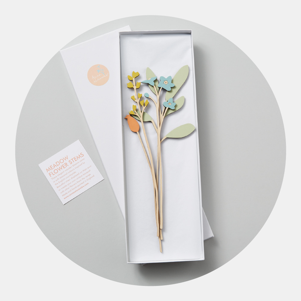 Forget-Me-Not Flower Set - Stems of Sage, Forget-Me-Not, Flora and Rosehip make up this beautiful display of wooden blooms.Arrange them in your favourite vase for a lovely display of colour to start the new season. Sets are elegantly packaged ready to give as unique gifts.