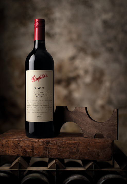 Penfolds_2011_RWT_Barossa_Valley_Shiraz_SC_1.jpg