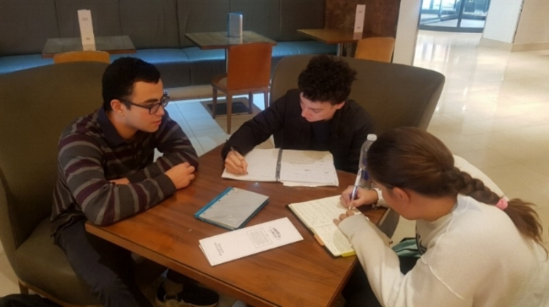 No nerves here! Omar delivers a coaching session to two of our 2019 Oxford applicants ahead of their entrance exams