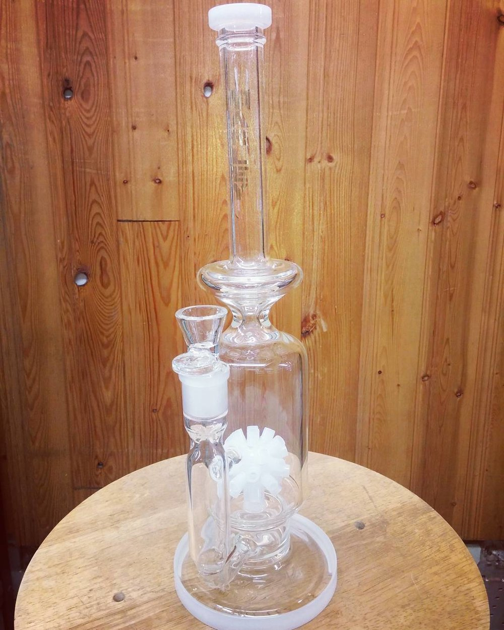 Want_to_get_the_perfect__christmas__gift_for_that_special__stoner_in_your_life__Come_on_down_to_Dolans_and_check_out_some_awesome__deals---------------------------------------__bong__bongrips__bongs__bongbeauties__girlswhosmokeweed__weedstagram__weed.jpg