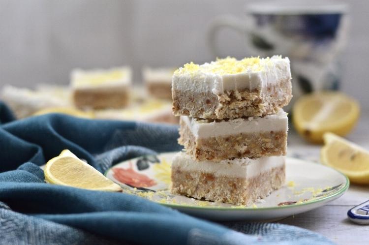 Paleo Lemon and Coconut Cheesecake Bars