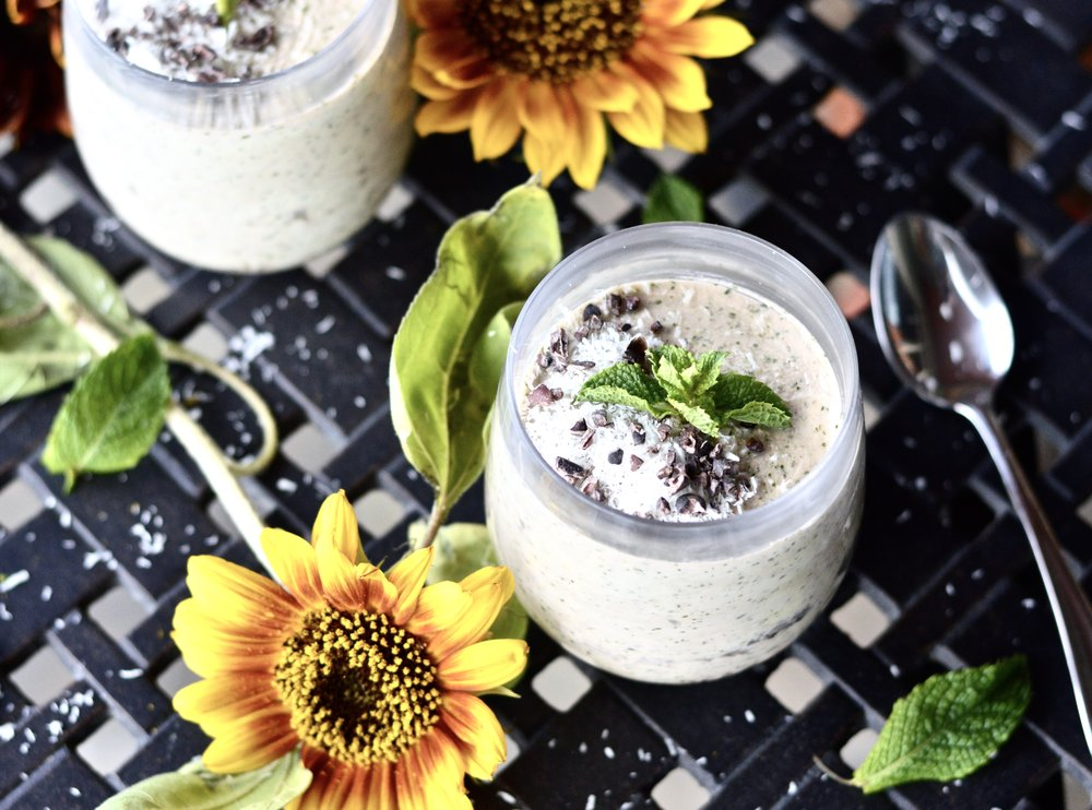 White Peppermint Smoothie (Paleo, Whole 30, Vegan, GAPS, SCD, Gluten Free, Dairy Free)