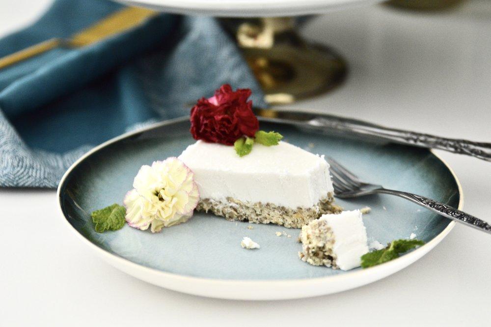 Paleo Vanilla Mint Ice Cream Cake (Vegan, GAPS, SCD, No Refined Sugar)