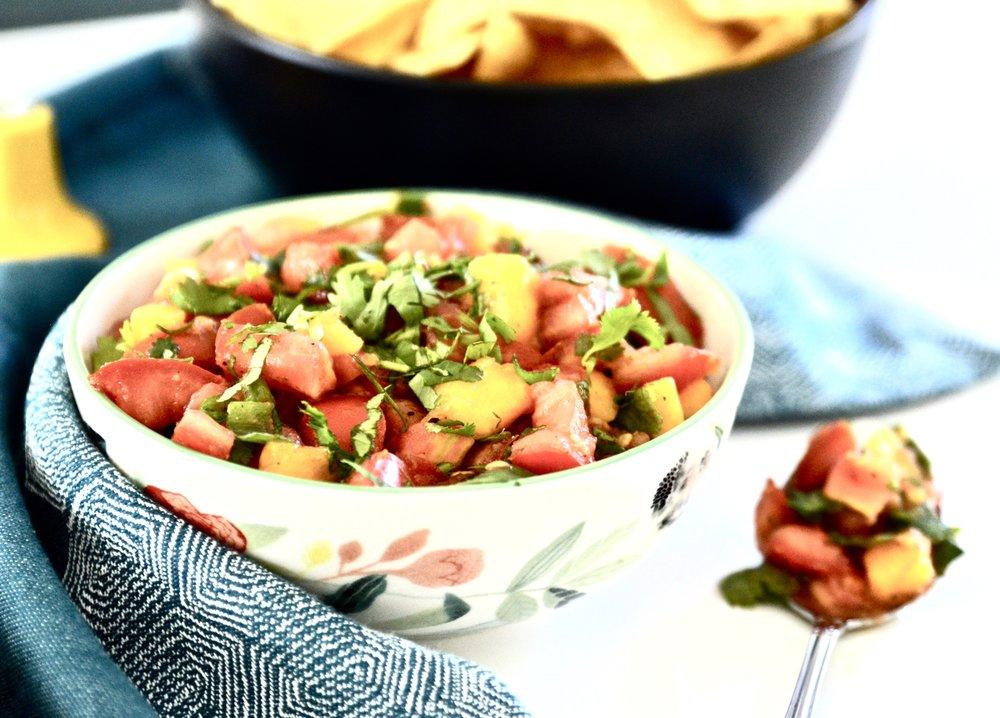 Simple Mango Salsa (Whole 30, Vegan, Paleo, GAPS, SCD, Gluten Free, Grain Free, Dairy Free)
