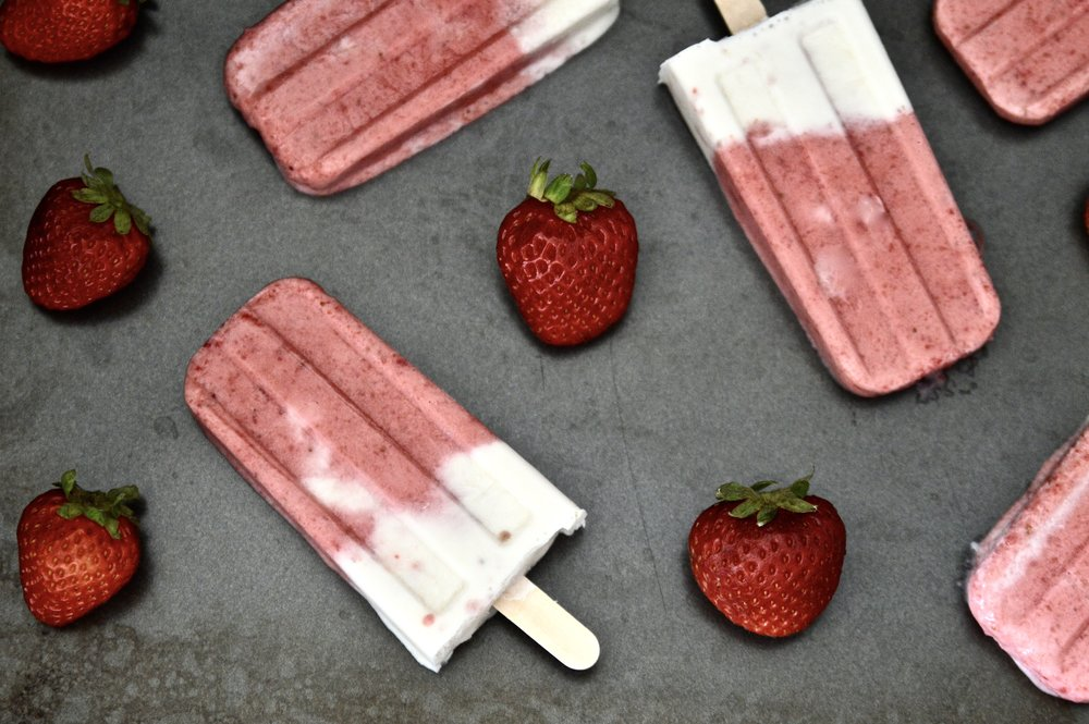 Paleo Strawberry Vanilla Popsicles (Vegan, Dairy Free, SCD, GAPS, No Refined Sugar)
