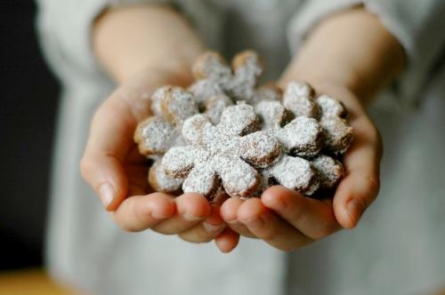 Cinnamon Snowflake Cookies.jpg