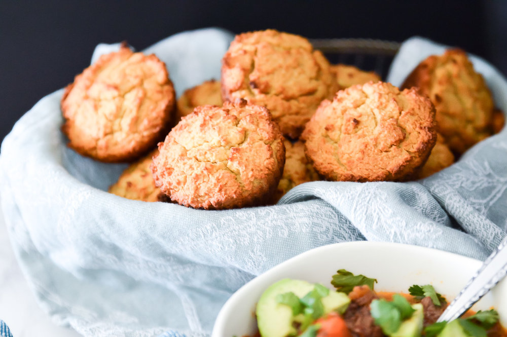 Paleo Cornbread Muffins. Yes you did read that right. While these Paleo Cornbread Muffins don't actually contain any corn, they are still so darn tasty. These Paleo Cornbread Muffins are the perfect pairing to your favourite chili or stew. They also make the perfect breakfast or snack.  #paleo #muffin #cornbread