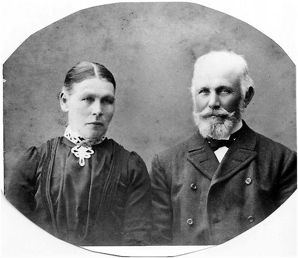 Axel's parents Erik Gustav Olsson and Lovisa Pettersdotter.