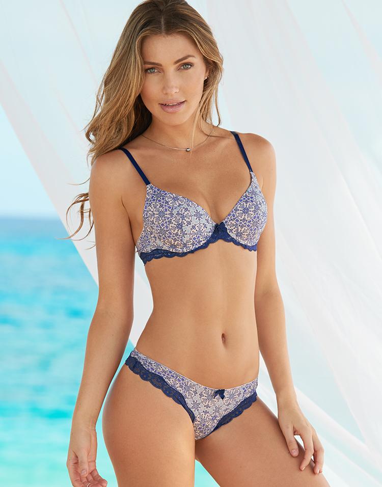 Adore Me Model Simone Villas Boas 3