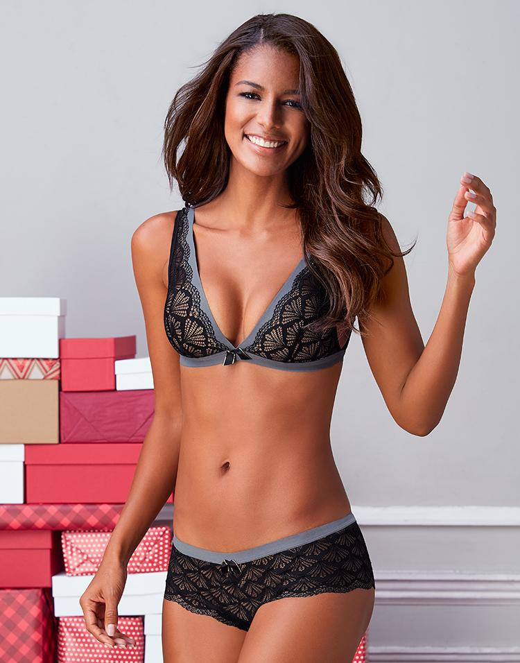 Adore Me Model Venessa Fonseca 5