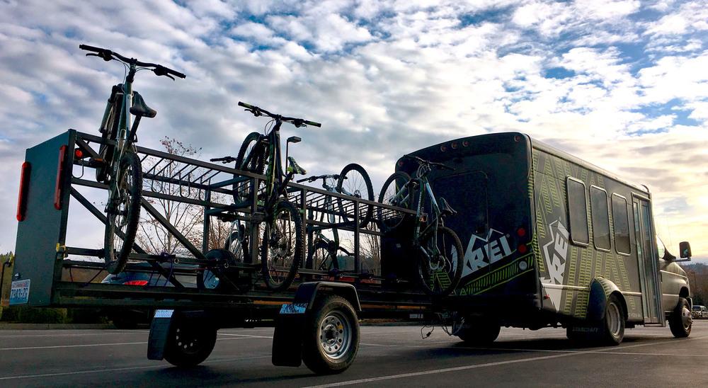 Medium Huckwagons Mountain Bike Shuttle Trailers hauling bikes for REI