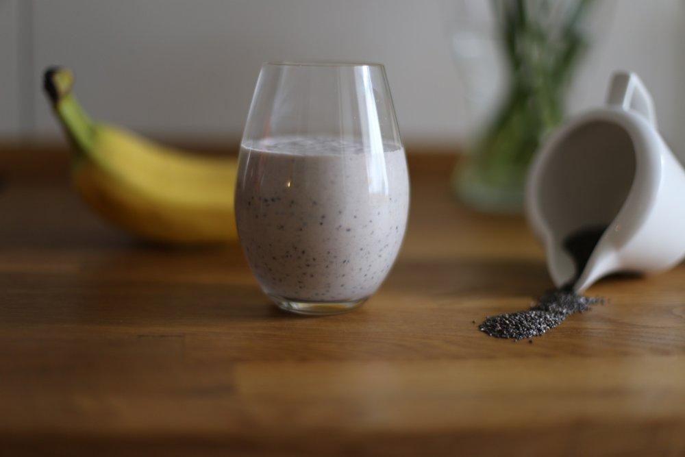 banana-blur-breakfast-556832.jpg