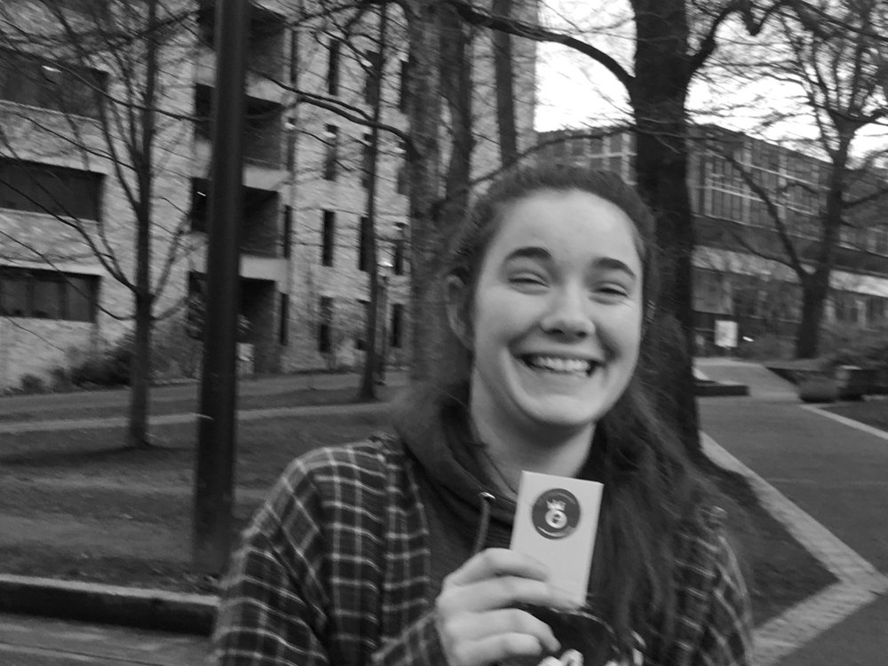 Sometimes, all you need to make your day better is a smile! This Portland State University student shares hers on her way to class! Just a simple random act of kindness makes our day better and deserves a #NobleHourHigh5!