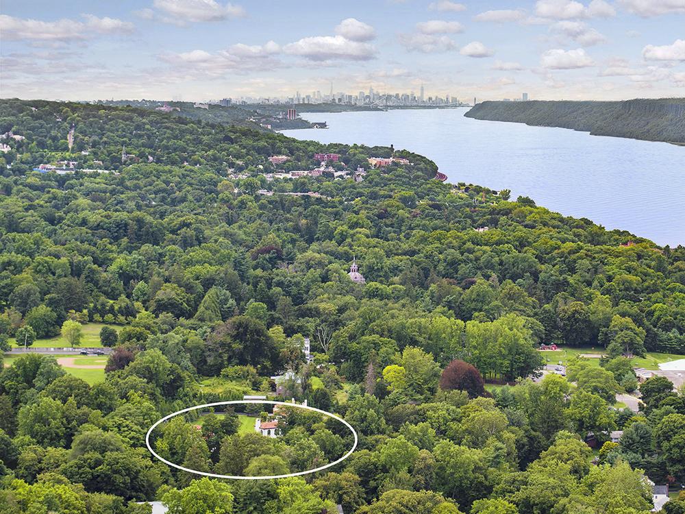 2 El Retiro Drone NYC + Circle.jpg