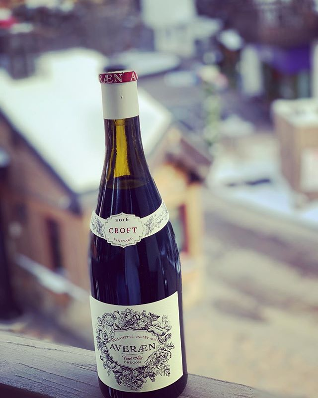 Warming up in Vail with some Croft vineyard Pinot. #powderday