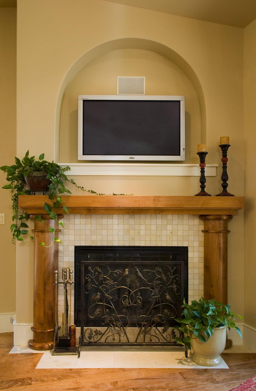 Livingroom_fireplace.jpg