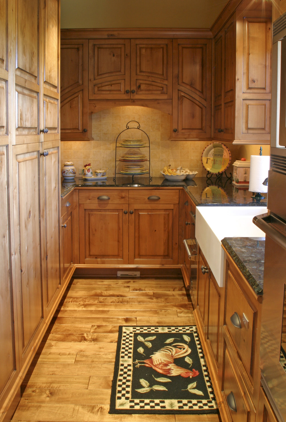 kitchen_pantry.jpg
