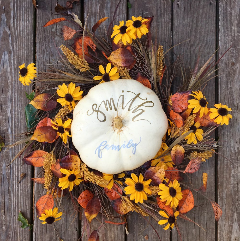 handlettering on fall pumpkin.jpg