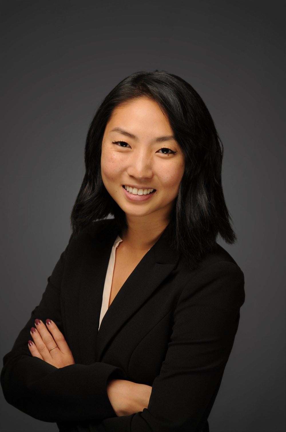 LinkedIn Photo - Leslie Chao.jpg