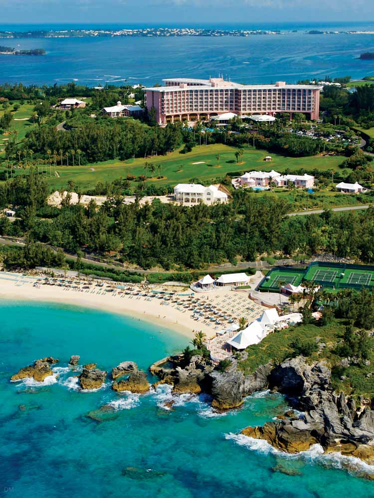 Picture of the  Fairmont Southhampton .  Perfect mixture of lush greenery, beautiful blue ocean and pink sand! (I promise I'm not being sponsored by the Fairmont for this post, although I wish I was! Call me, OK?!)