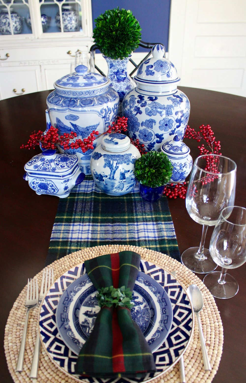 I love mixing china, and this deco pattern with a classic willow print is right up my ally!