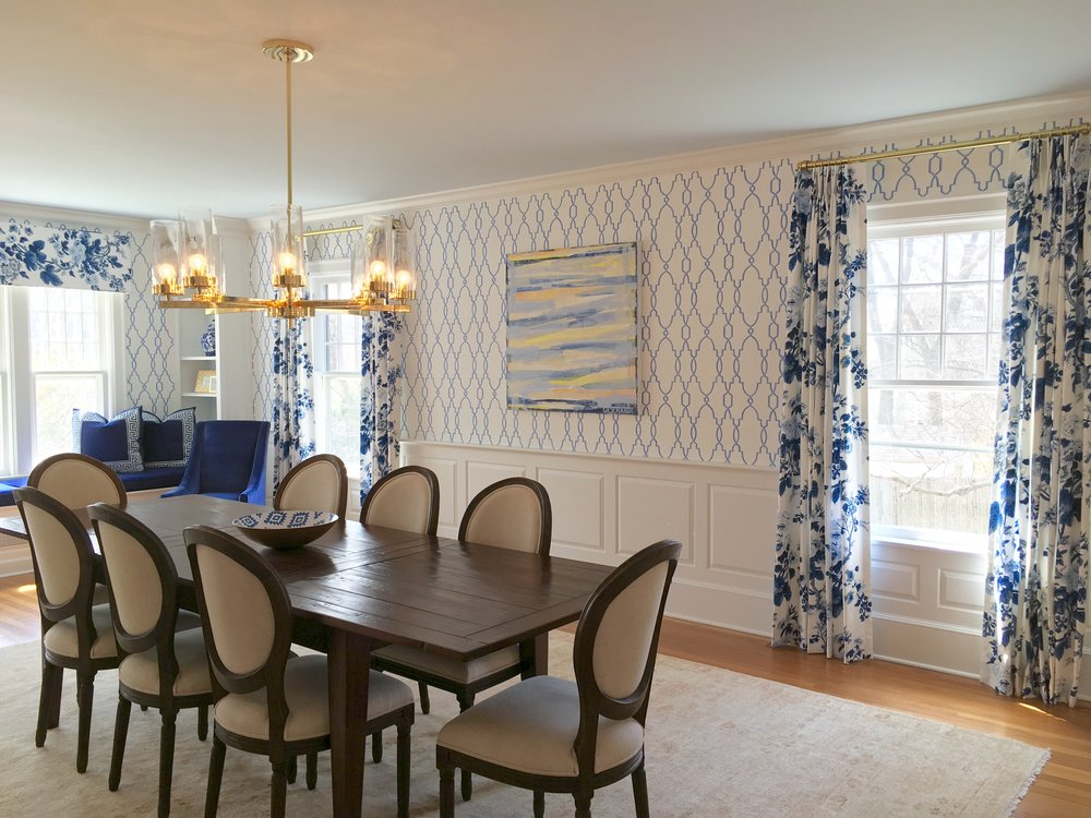 modern traditional blue and white dining room