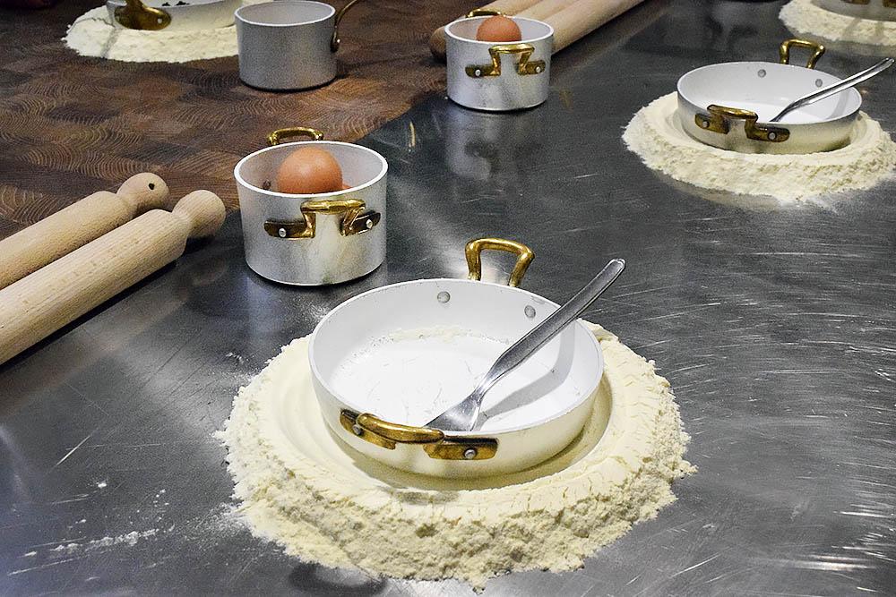 Det ska lagas pasta.