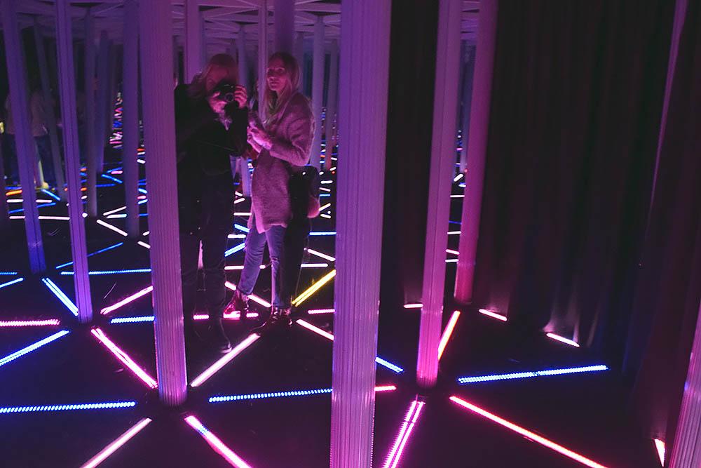 Spegellabyrinten inne på Camera Obscura.
